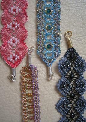 Bracelets et ras de cou